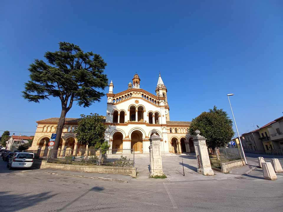 Santuario della Vergine di Campocavallo 3